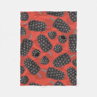 Motif de crème glacée de Blackberry et de mûre Couverture Polaire