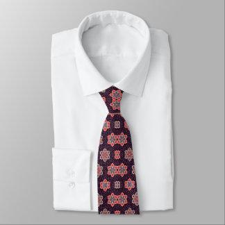 Motif de fleur coloré sur le pourpre foncé cravates