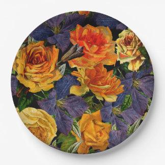 Motif de fleur rose de cru foncé romantique assiettes en papier