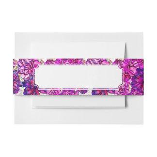 Motif de fleurs abstrait de rose et de pourpre bandeau de faire-part