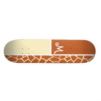 Motif de girafe de Brown Skateboard