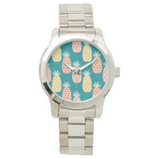 Motif de griffonnage d'ananas montres cadran