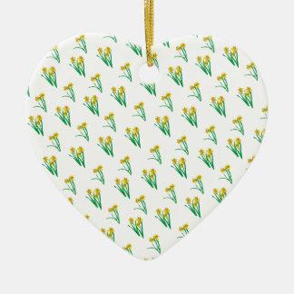 Motif de jonquilles ornement cœur en céramique
