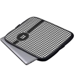Motif de pied-de-poule avec le monogramme housse ordinateur portable
