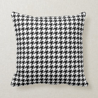 Motif de pied-de-poule noir et blanc oreillers