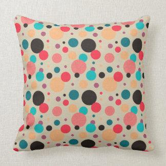Motif de point géométrique multicolore de polka oreillers