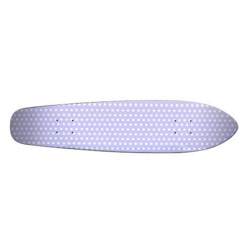 Motif de point lilas et blanc de polka. Tacheté Plateaux De Skateboards
