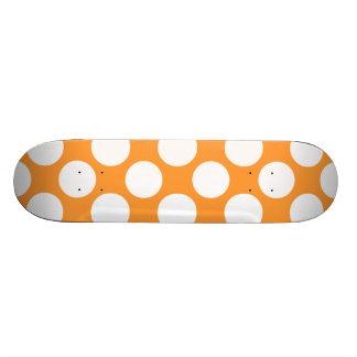 Motif de pois blanc orange moderne skateoard personnalisé