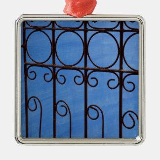 Motif de porte de fer dans le bleu, Cuba Ornement Carré Argenté