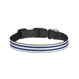 Motif de rayure de bleu marine et de blanc collier de chien