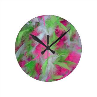 Motif décoratif coloré de plumes pendules murales