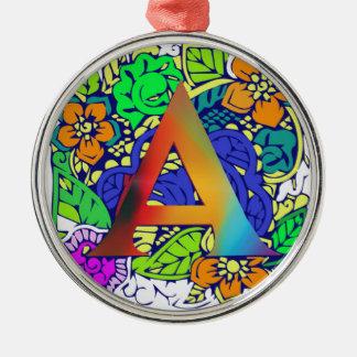 Motif décoré d'un monogramme floral coloré mignon ornement rond argenté