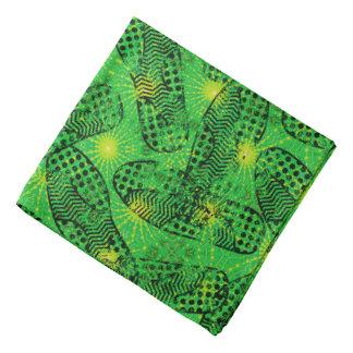 Motif d'empreintes de pas de vert de garçon de bandanas