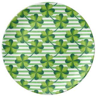 Motif du jour de quatre de feuille St Patrick de Assiette En Porcelaine