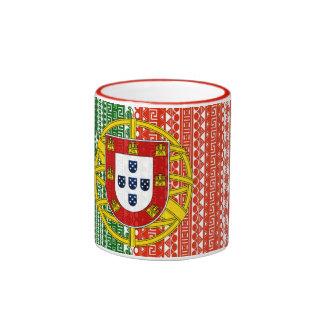 Motif élégant de drapeau aztèque frais du Portugal Mug Ringer