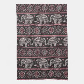 Motif ethnique noir d'éléphant serviettes éponge