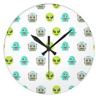 Motif étranger frais de visage de robot de fantôme grande horloge ronde