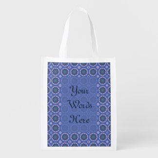 Motif floral assez bleu sacs d'épicerie réutilisables