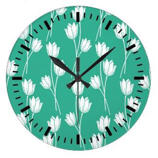 Motif floral de vert chaud d'été grande horloge ronde