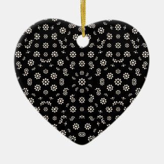 Motif floral écervelé foncé ornement cœur en céramique
