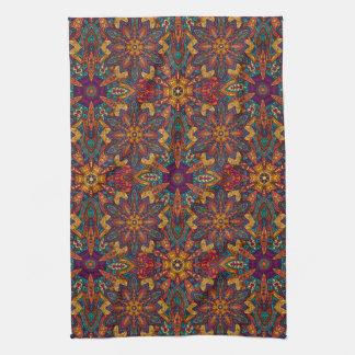 Motif floral ethnique abstrait coloré de mandala serviette pour les mains