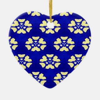 Motif génial jaune pourpre de kaléidoscope ornement cœur en céramique