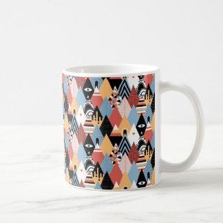 Motif géométrique de triangle mystique moderne de mug