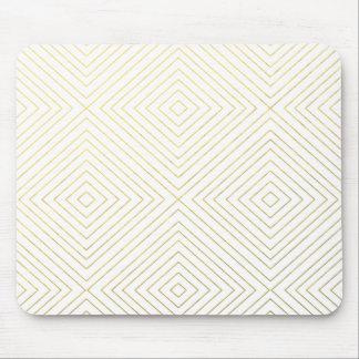 Motif géométrique moderne de carrés d'or sur le tapis de souris