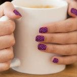 Motif géométrique pourpre et rose d'illusion optiq nail art