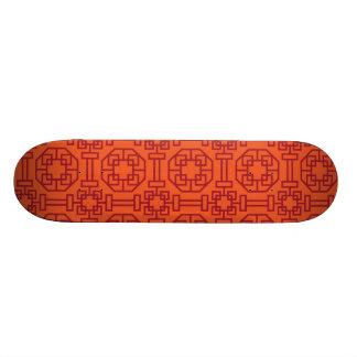 Motif géométrique traditionnel rouge de Chinois Skateboards Customisés