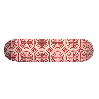 Motif géométrique traditionnel rouge de Chinois Plateaux De Skateboards Customisés
