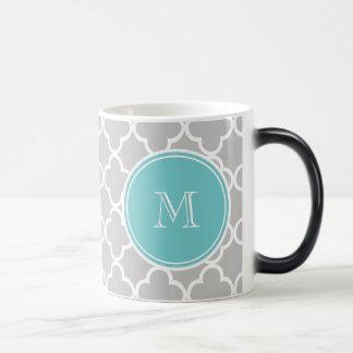 Motif gris de Quatrefoil, monogramme turquoise Mug Magic