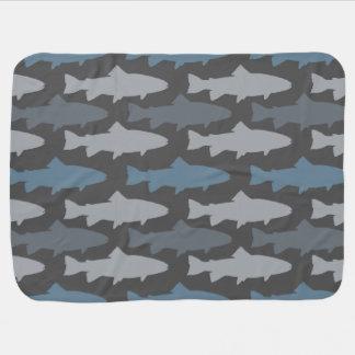 Motif jaune et gris de poissons de truite couvertures de bébé