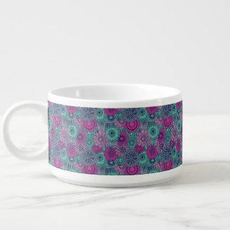 Motif lumineux élégant des fleurs magnifiques bol à chili