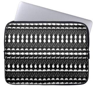 Motif mignon blanc noir d'animaux housses ordinateur portable