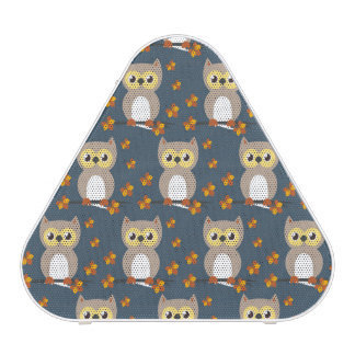 Motif mignon de hibou d'automne haut-parleur bluetooth