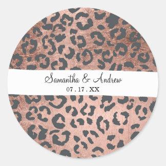 Motif moderne de léopard d'or de rose de gris de sticker rond