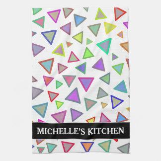 Motif multicolore de triangles + Nom fait sur Serviette Éponge