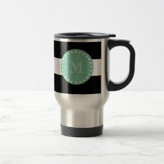 Motif noir de rayures, monogramme vert en bon état mug de voyage