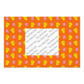 Motif orange mignon de Pâques de poussin de bébé