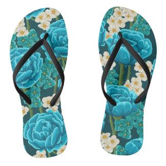 Motif peint à la main floral de rose bleu d'aqua tongs