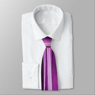 Motif rayé de Lavendar, d'iris et de raisin Cravate