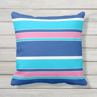 Motif rose blanc de rayures bleues de turquoise coussin décoratif