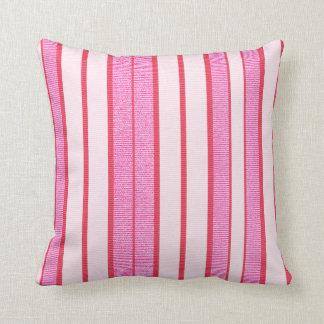 Motif rose de texture de rayures oreillers