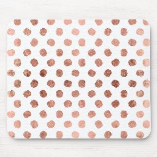 Motif rose élégant de traçages de pois d'or tapis de souris