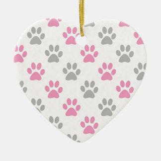 Motif rose et gris de pattes de chiot ornement cœur en céramique