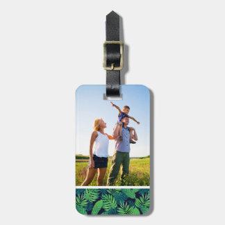 Motif tropical de feuille de photo faite sur étiquette à bagage