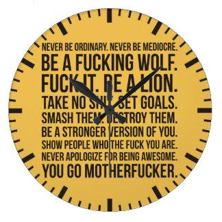 Motivation de force - ne soyez jamais chemise grande horloge ronde