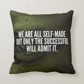 Mots inspirés de succès - nous sommes tous qui a coussin