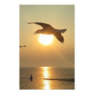 Mouette au coucher du soleil papier à lettre